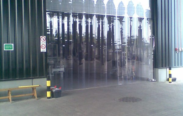 300x3 mm-es normál kapun kívüli hőszigetelő szalagfüggöny